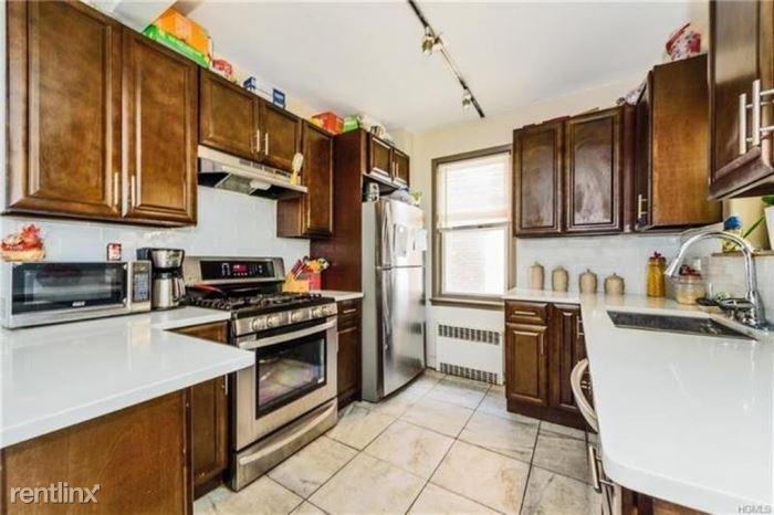 Tyndall Ave, Bronx, NY - $4,300