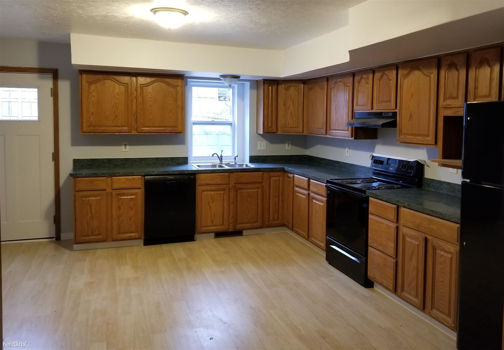 866 Madison St, Ypsilanti, MI - $1,900