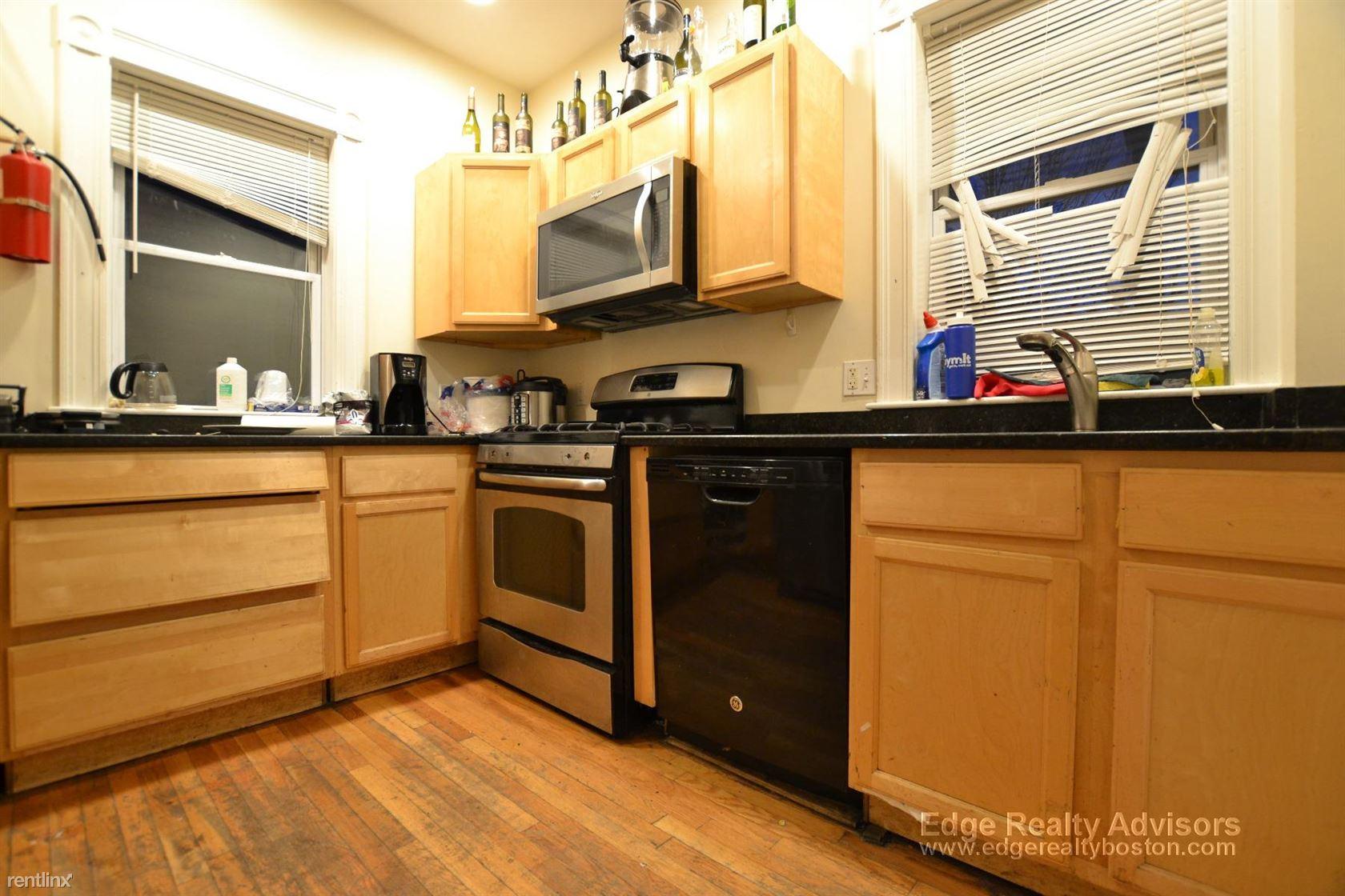 39 Pratt St # 1DB, Allston, MA - $11,250