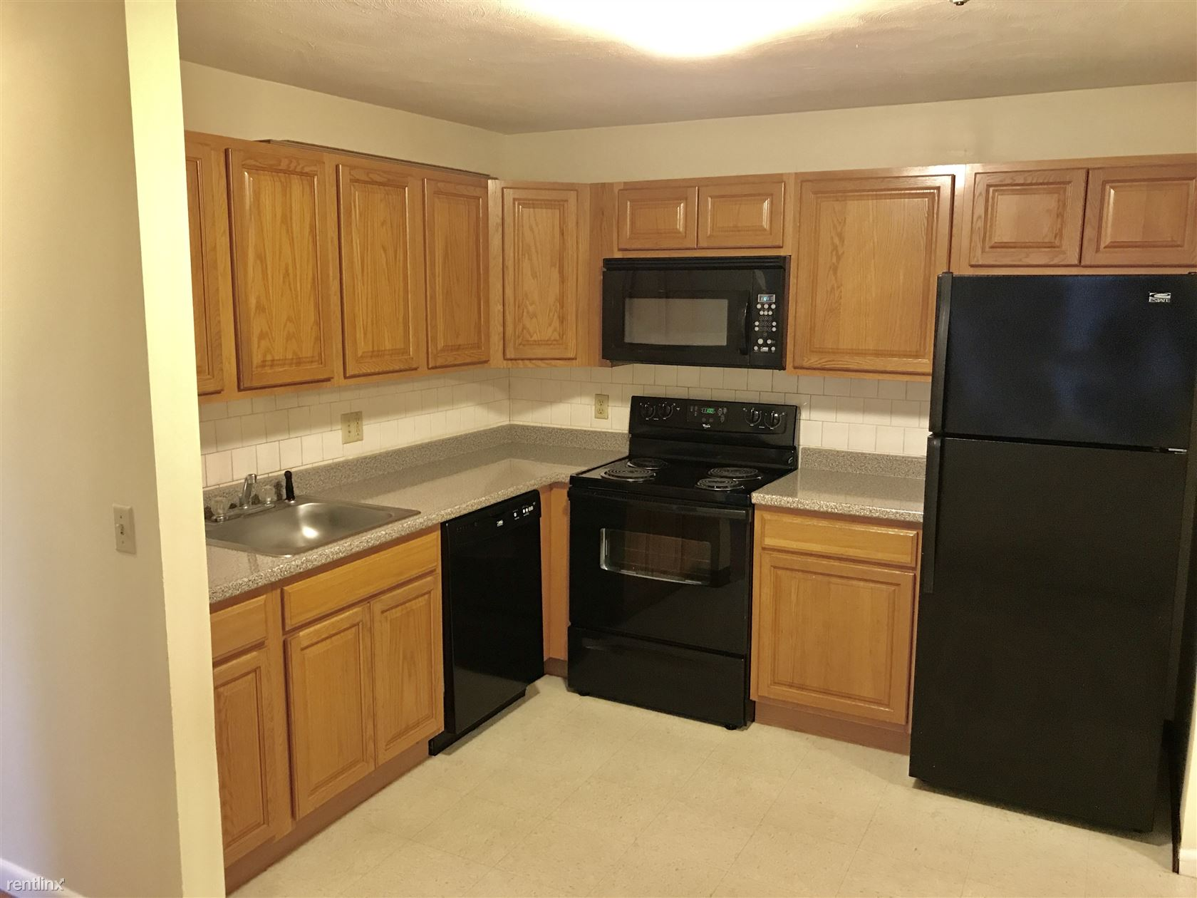 740 Central St, Leominster, MA - $1,250