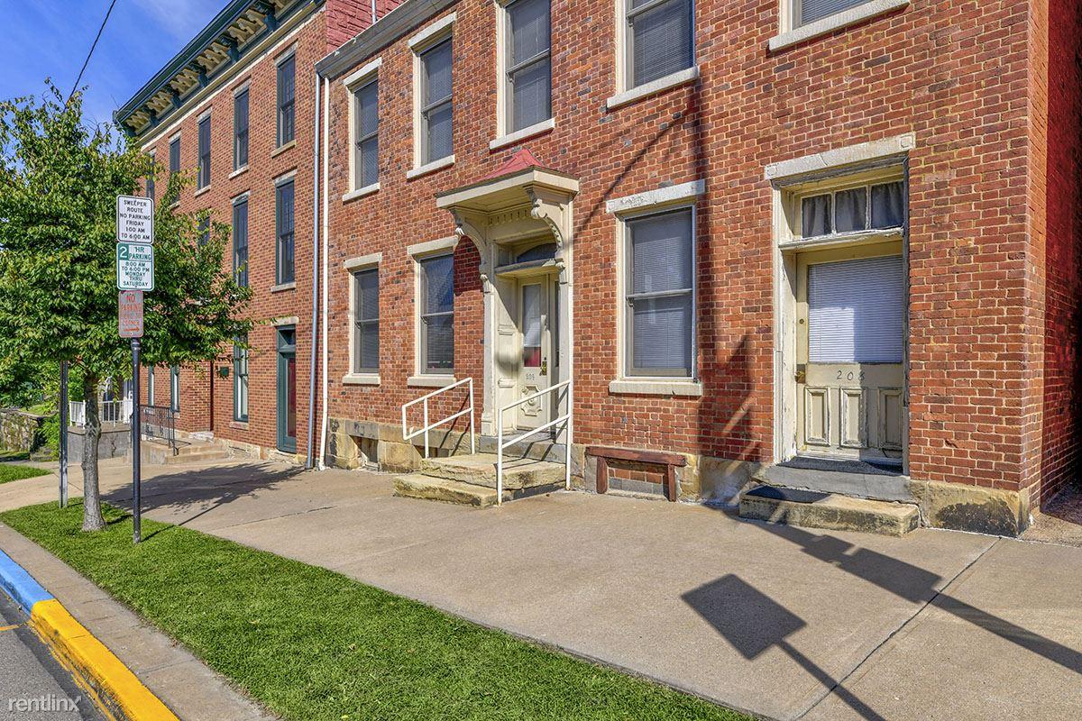 171 W Main St, Saint Clairsville, OH - $635