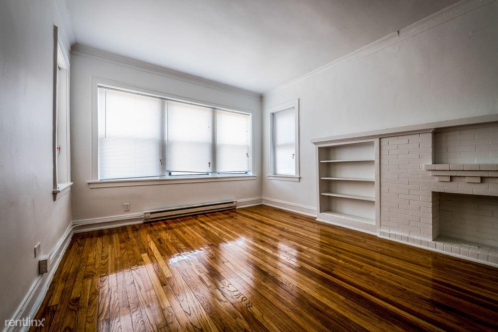 8000 S Ellis Ave, Chicago, IL - 675 USD/ month