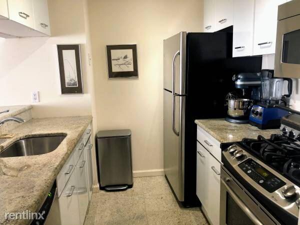 Martine Ave, White Plains, NY - $2,800