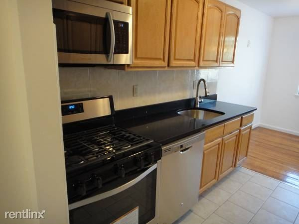 Fisher Ave, Eastchester, NY - $2,200