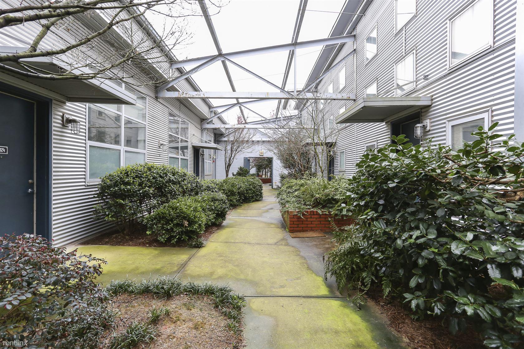 400 Village Pkwy NE, Atlanta, GA - $3,450