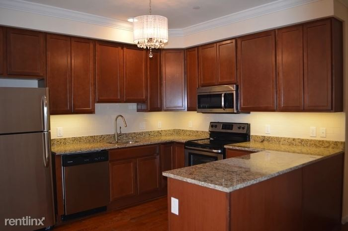 Burling Ln, New Rochelle, NY - $2,500