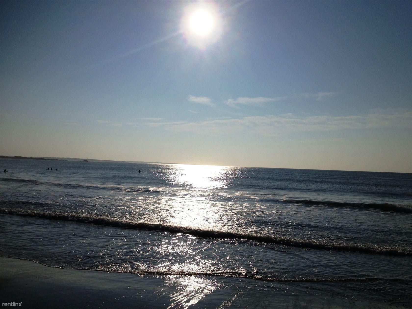 19 Beach St, Narragansett, RI - $12,000 USD/ month
