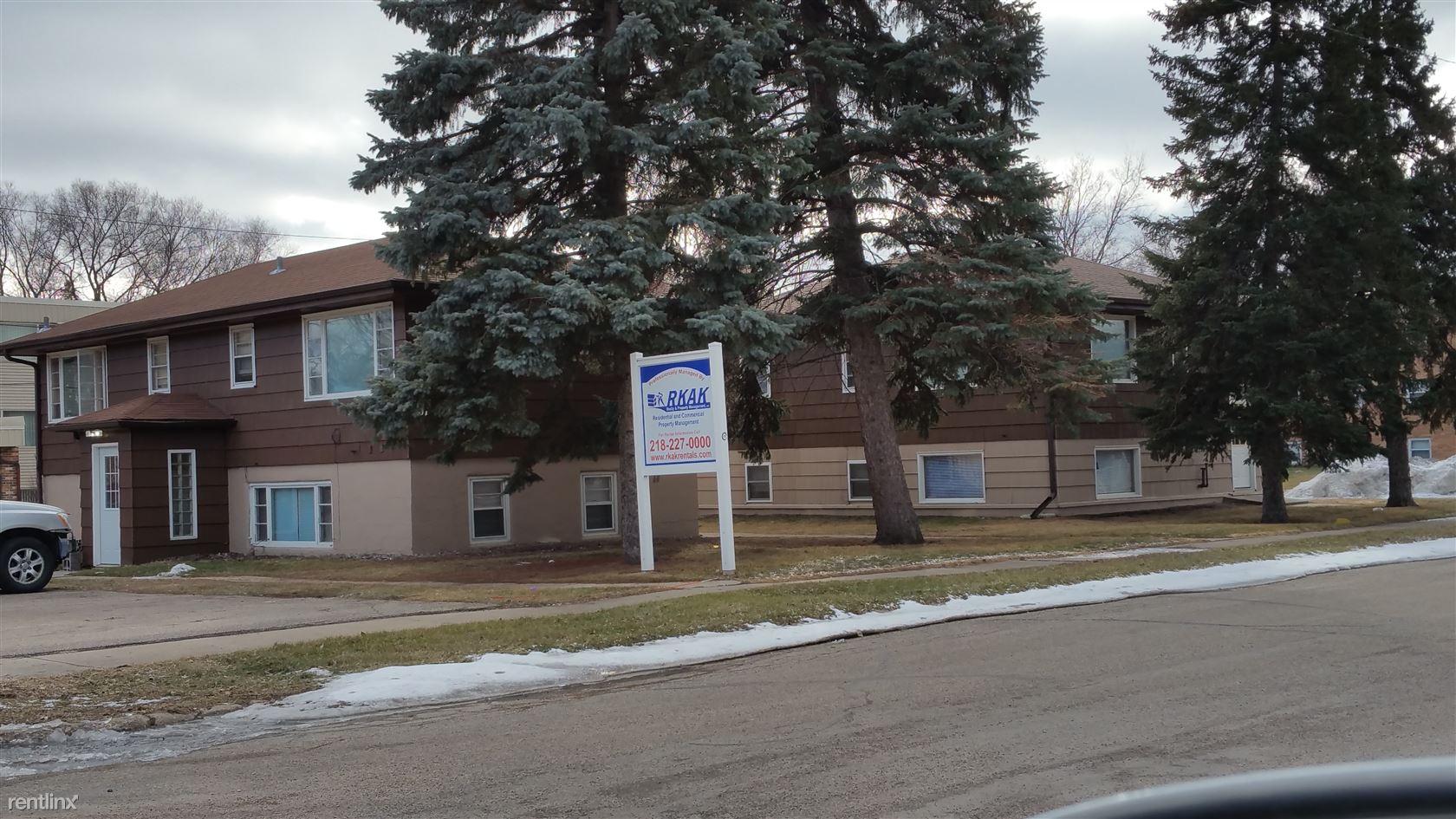 905 9th Ave S, Moorhead, MN - $395