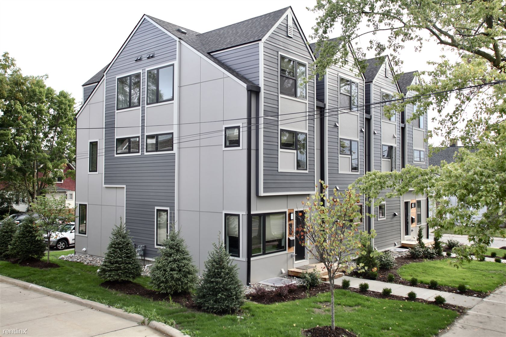 145 Hill St, Ann Arbor, MI - $5,700