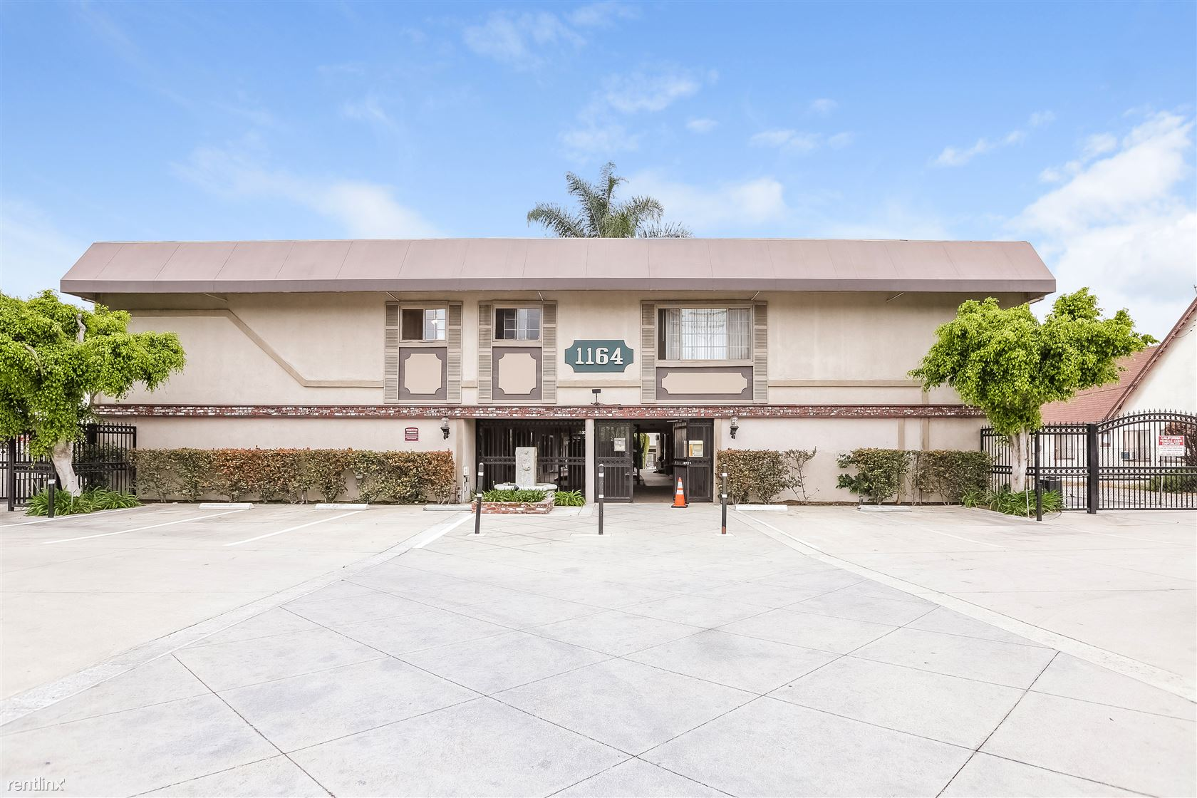 1164 W Duarte Rd - 2095USD / month