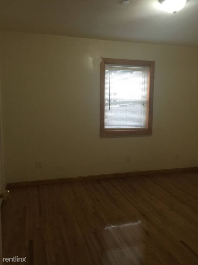 14th st and 31st ave, Astoria, NY - $3,000