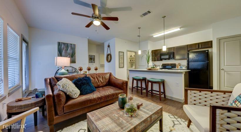 Fair Oaks, Boerne, TX - $1,570