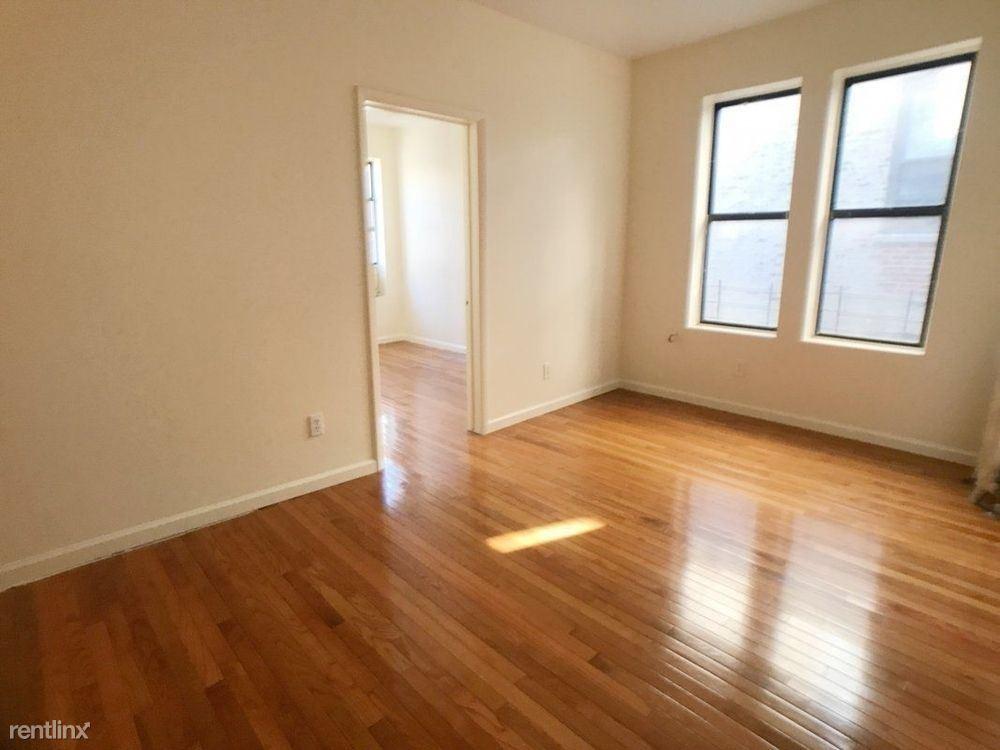 218 S 3rd Ave, Bronx, NY - $1,950