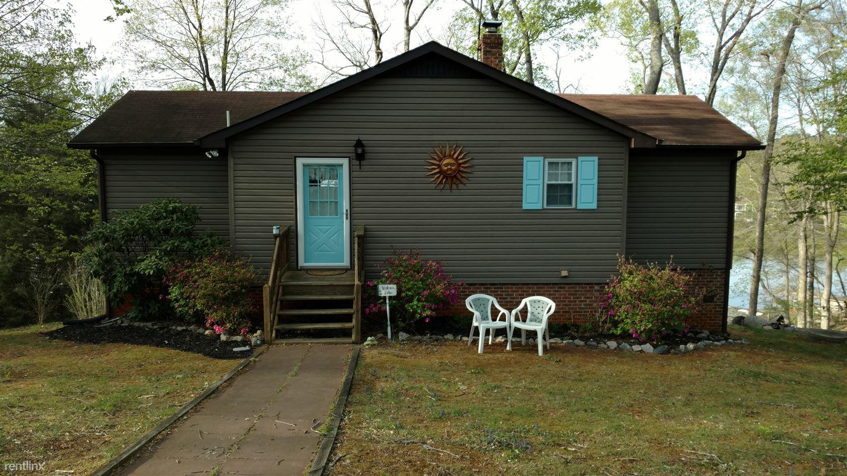 157 Forest Ct., Bracey, VA - $1,600