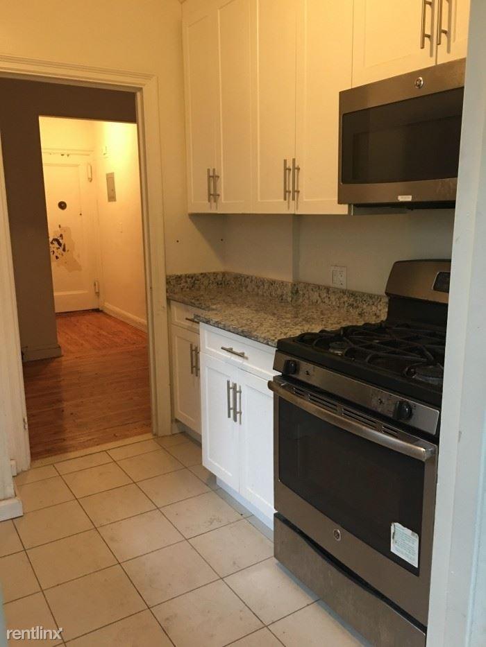 Gramatan Ave, Mount Vernon, NY - $2,295