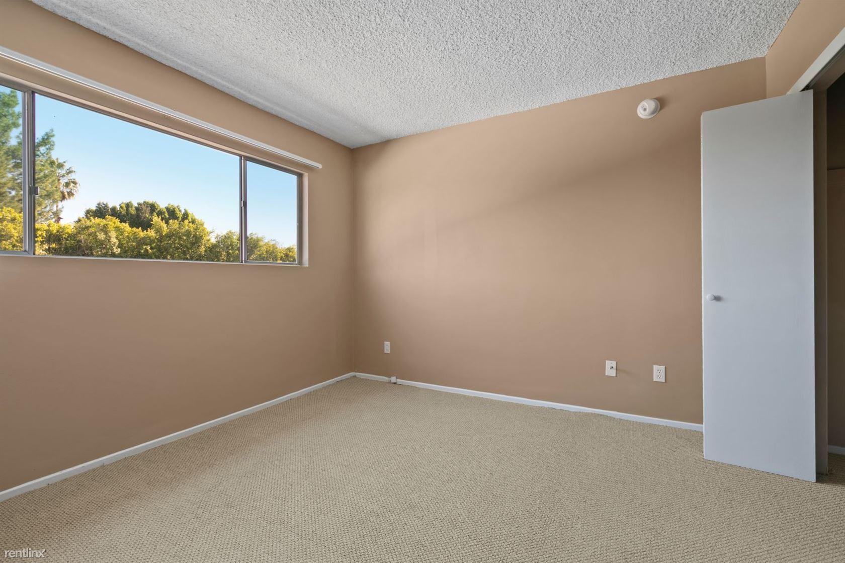 5140 White Oak Ave - 2605USD / month