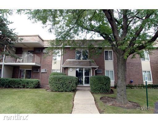 974 Thornton Ln, Buffalo Grove, IL - $1,200