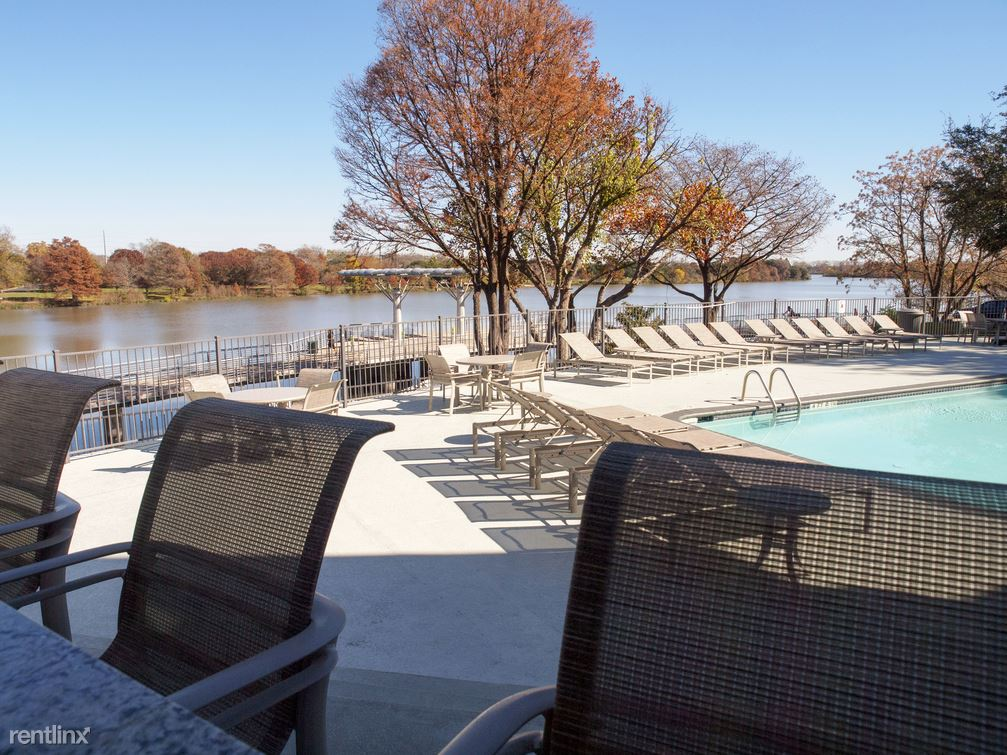 Riverside and Lakeshore, Austin, TX - $1,280 USD/ month