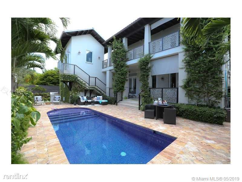 462 Ridgewood Rd, Key Biscayne, FL - $18,000