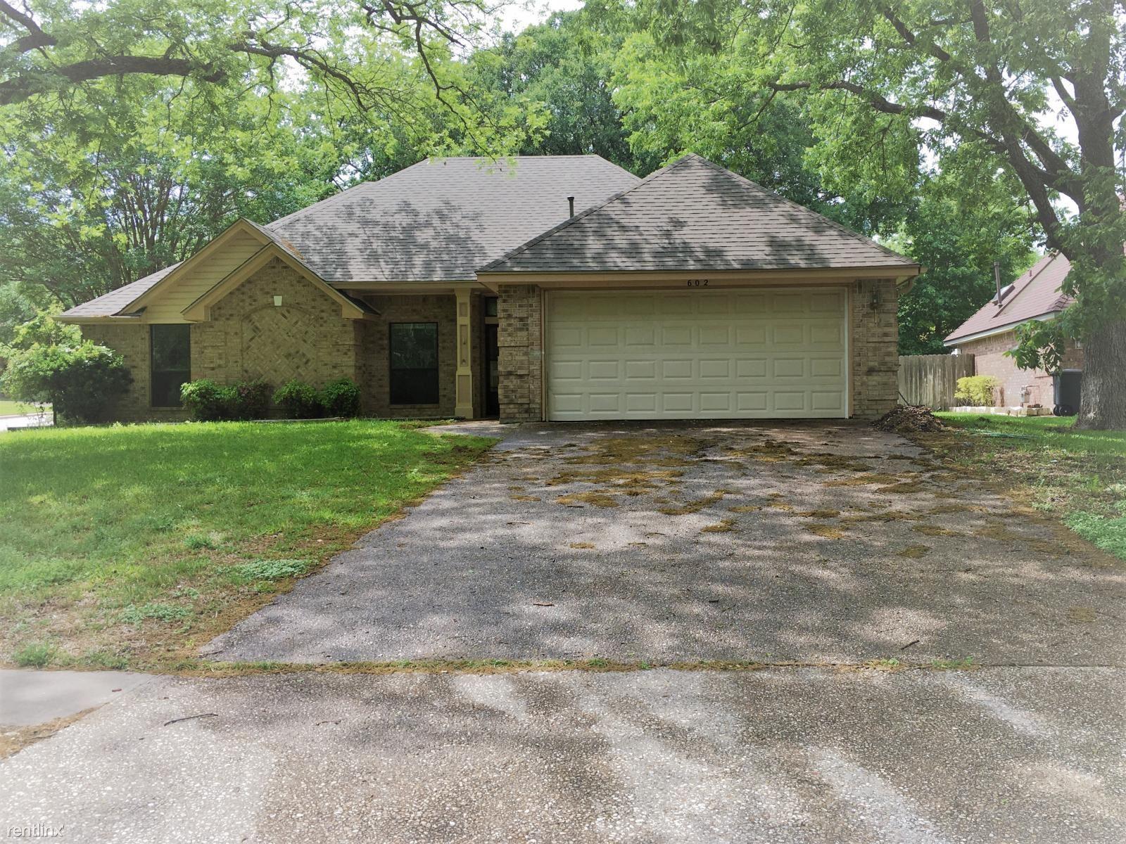 602 Diana Ln, Harker Heights, TX - $1,295