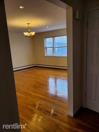Vredenburgh Ave, Yonkers, NY - $2,600