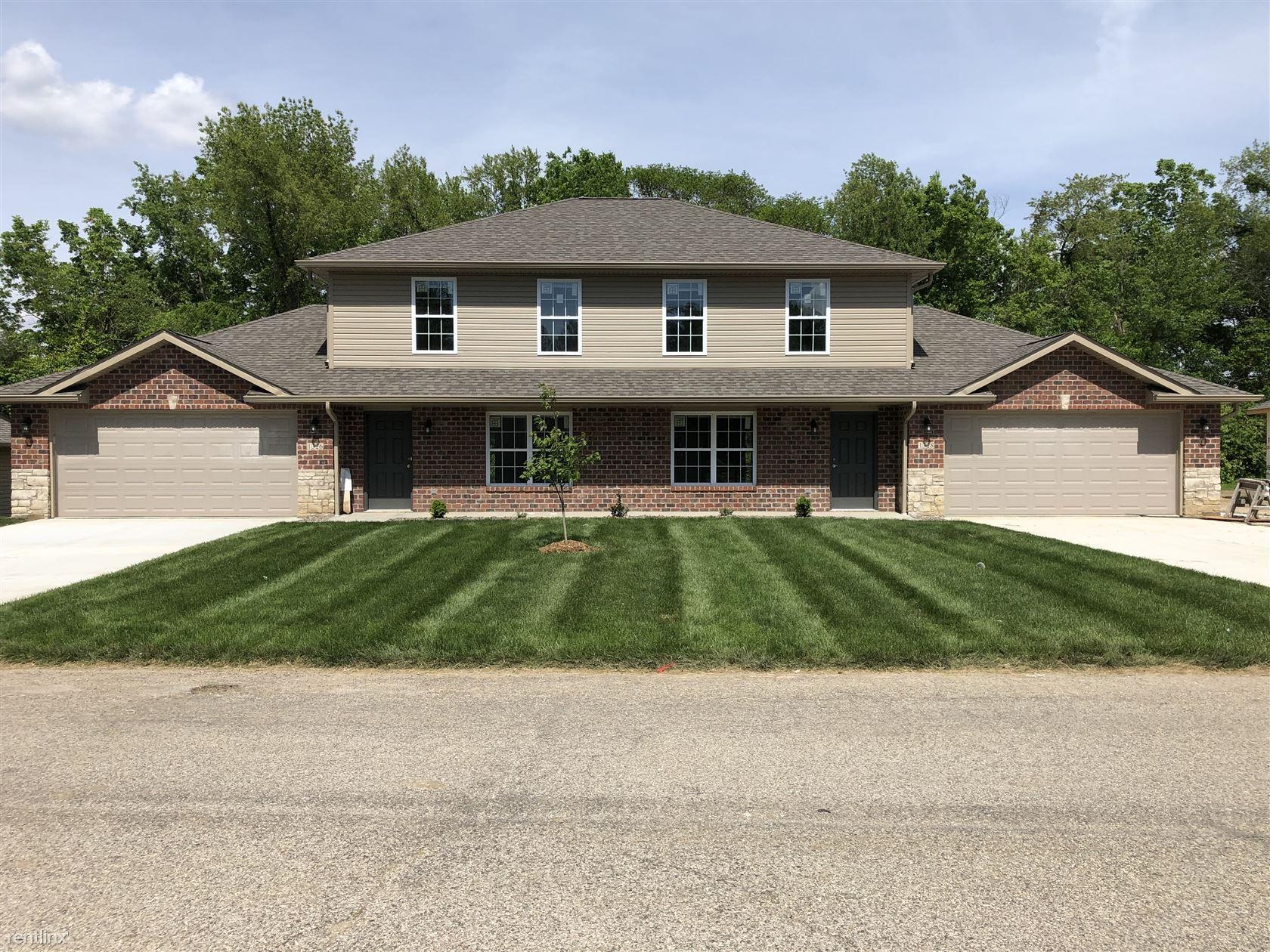 1326 Village Circle Dr, Glen Carbon, IL - $1,295
