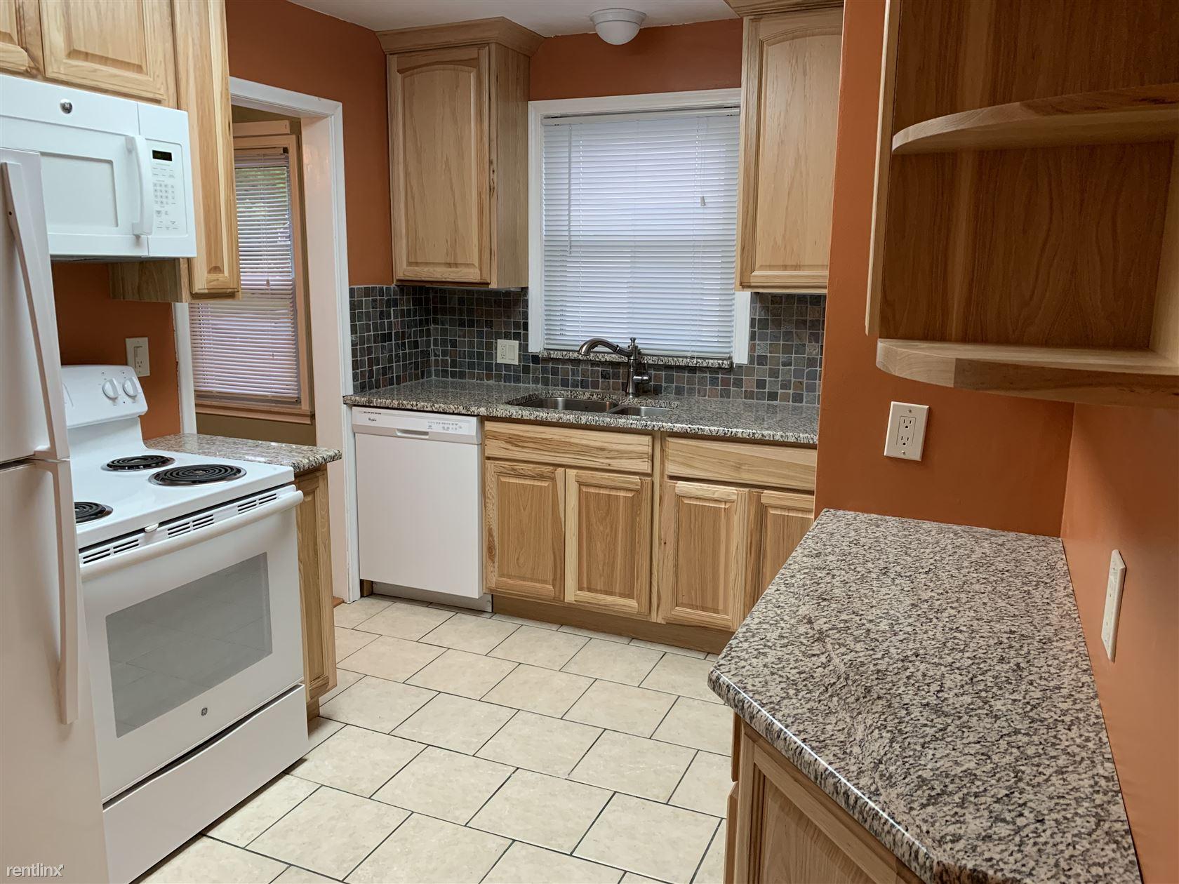 212 S Minerva Ave, Royal Oak, MI - $1,825 USD/ month