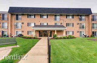 580 Lawrence Ave Apt 316, Roselle, IL - 1,195 USD/ month