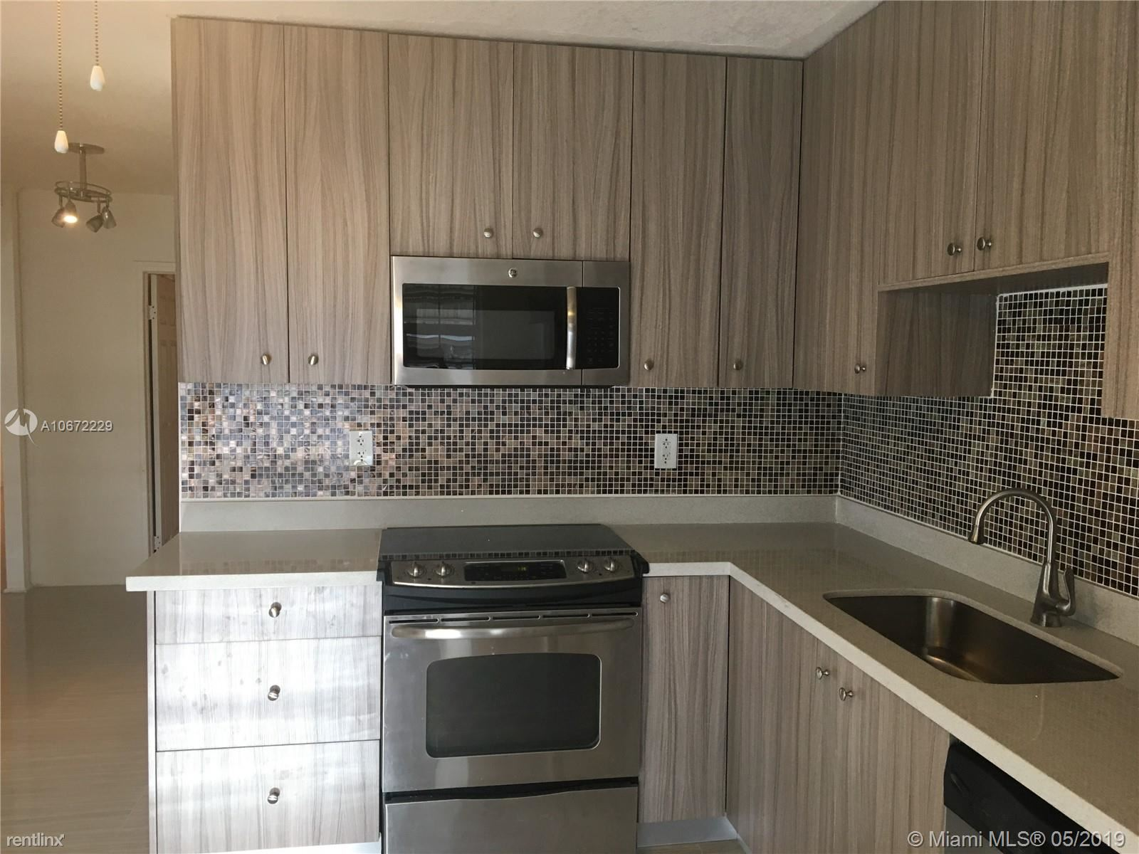 6313 Pierce St, Hollywood, FL - $2,075