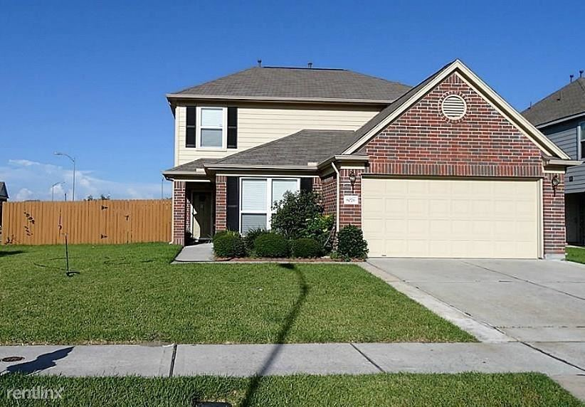 8026, Baytown, TX - $1,755