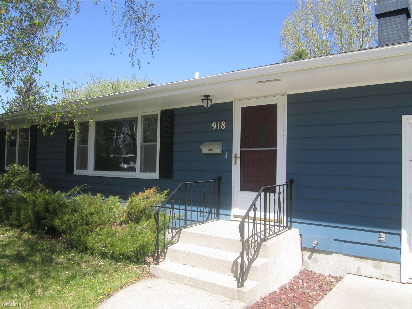 918 Park Dr, Grand Forks, ND - 1,595 USD/ month