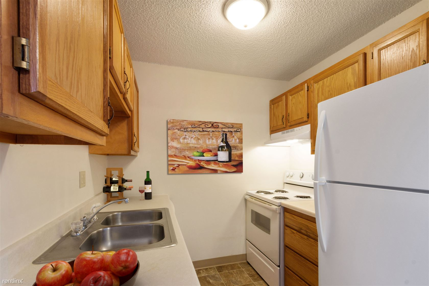 3200 Indianola Ave - 720USD / month