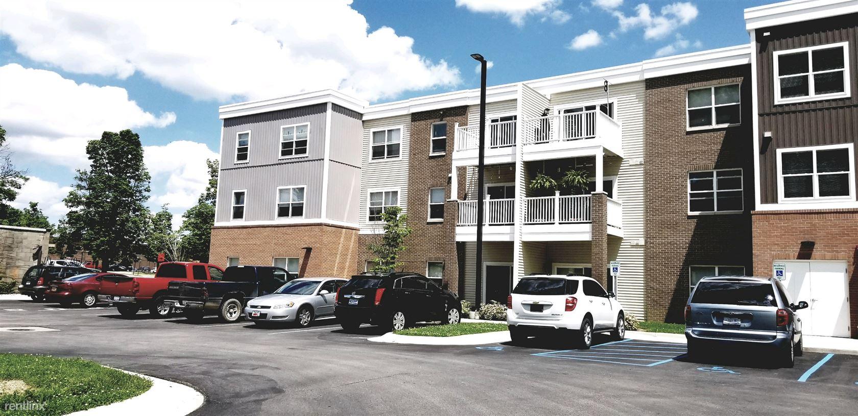 8 S Manning St, Hillsdale, MI - $625 USD/ month