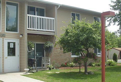 131 W Harrington Rd, Croswell, MI - 604 USD/ month