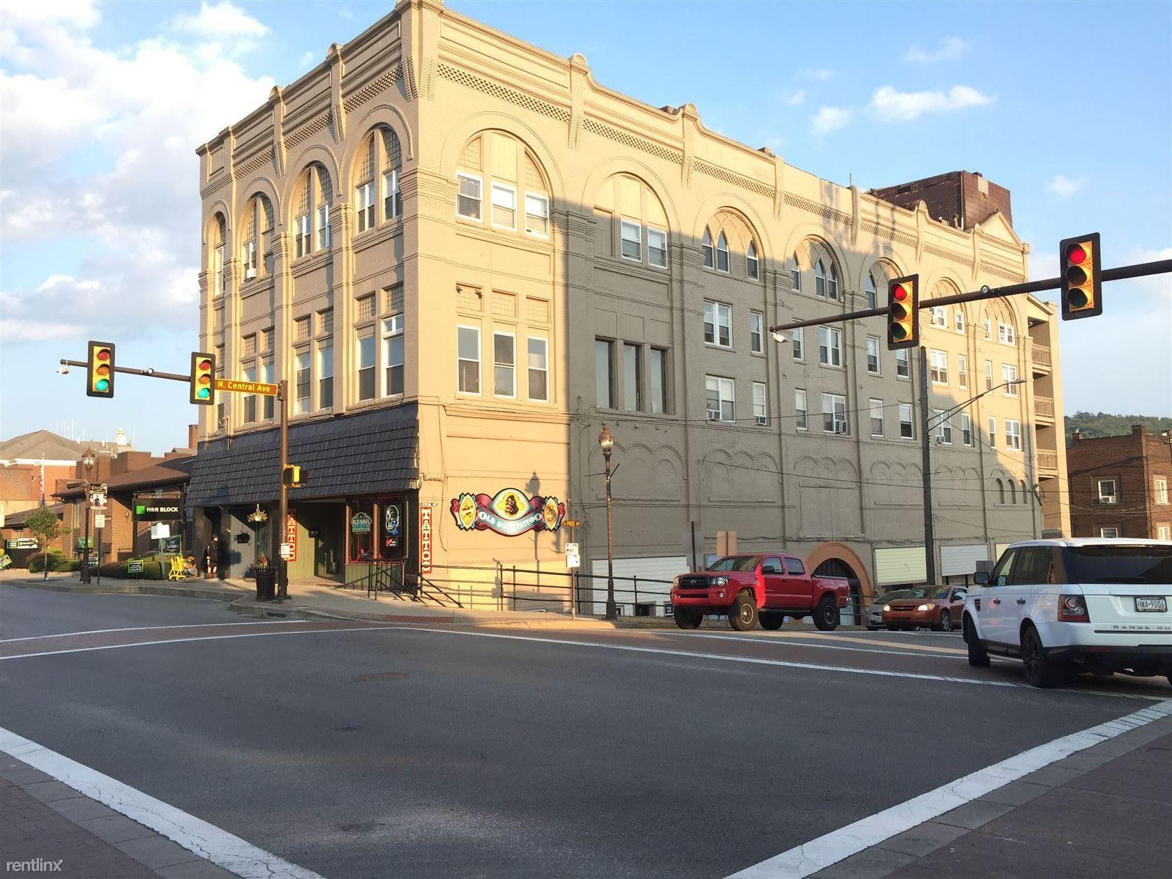 6 E Pike St, Canonsburg, PA - $750