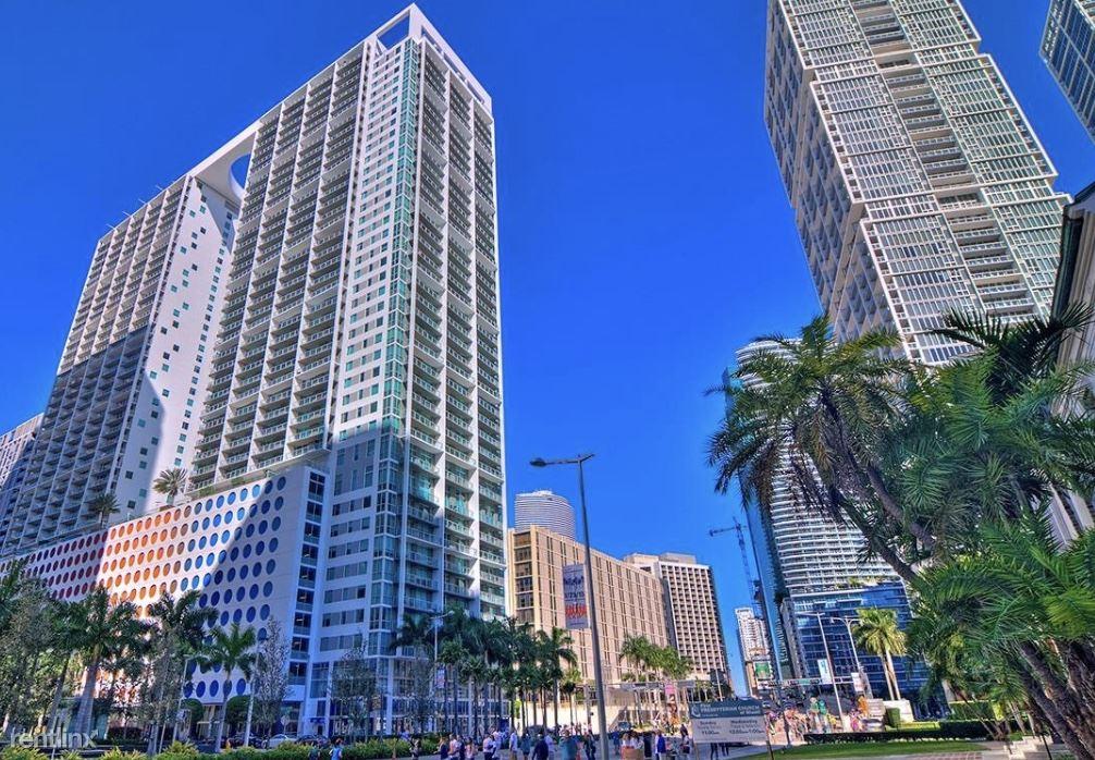 500 Brickell Ave, Miami, FL - $5,300