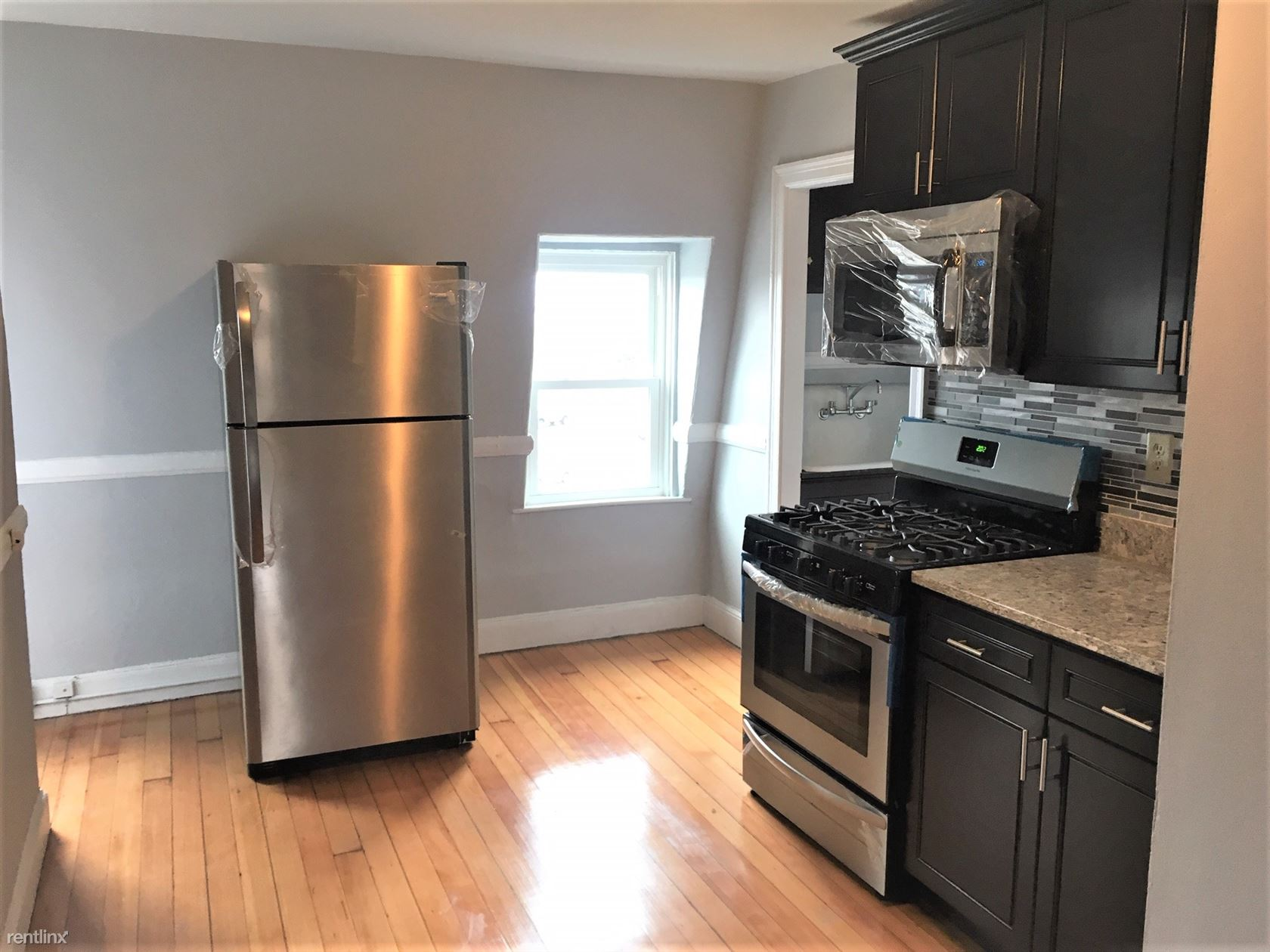 241 Wickenden St, Providence, RI - 1,100 USD/ month