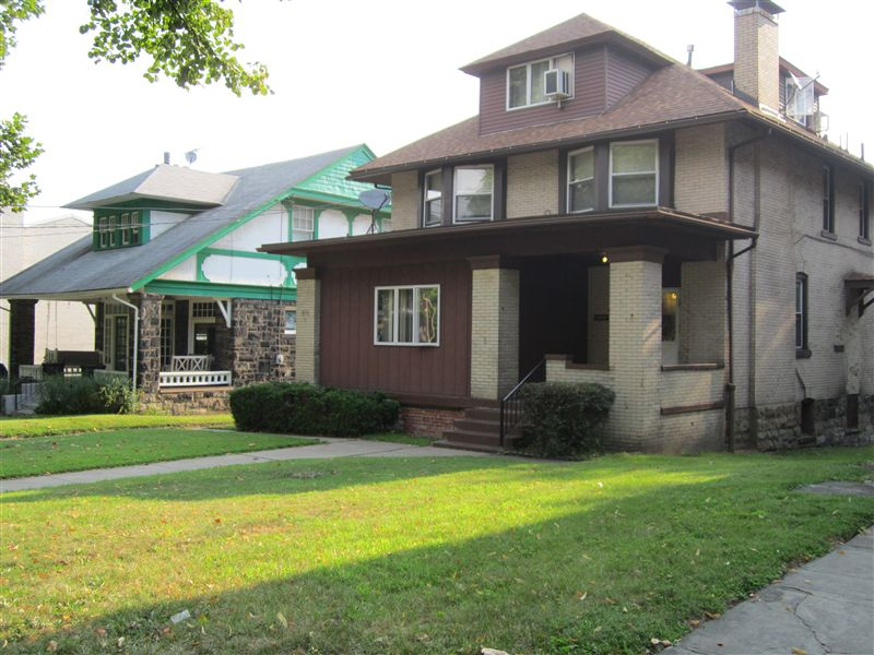 2421 Beechwood Blvd, Pittsburgh, PA - $875 USD/ month