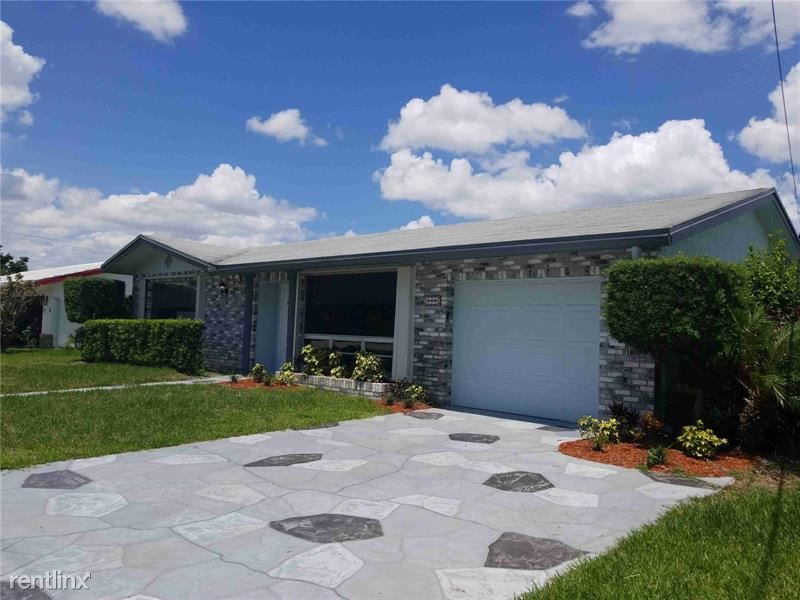 360 NW 43rd Ave, Coconut Creek, FL - $2,316