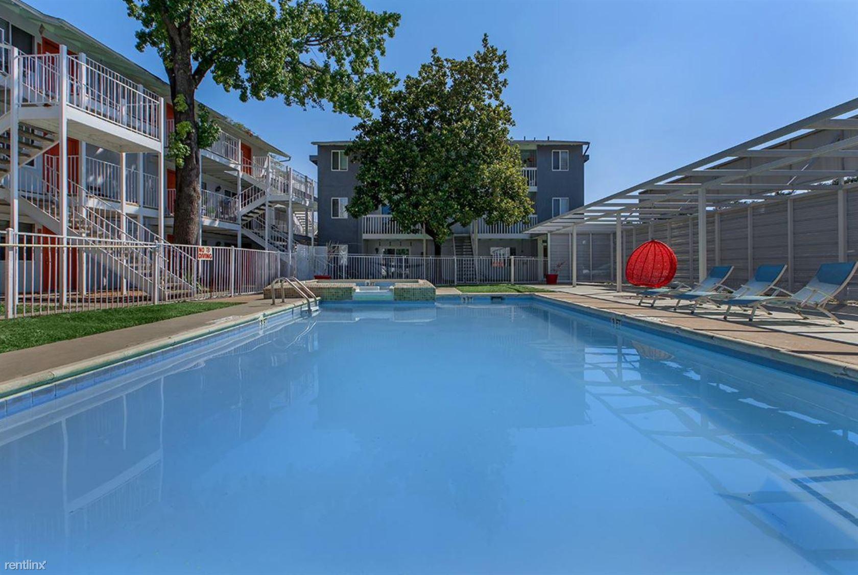 6309 Burns St, Austin, TX - $825 USD/ month