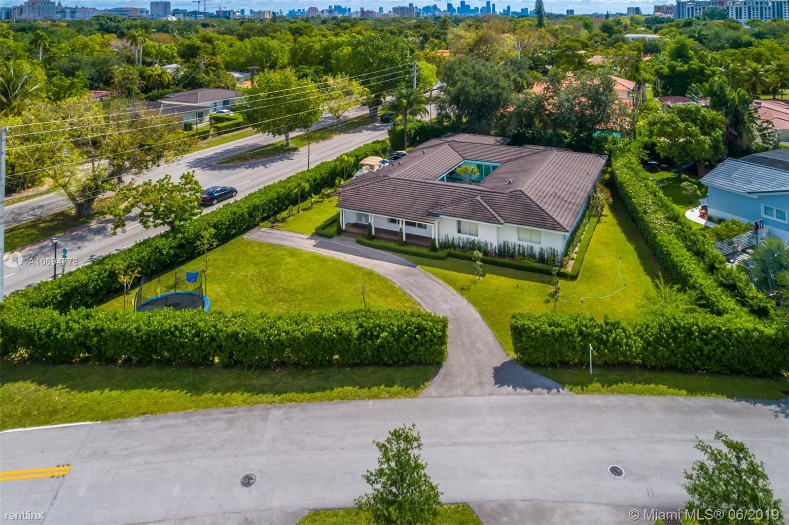 4001 Monserrate St, Coral Gables, FL - $9,750