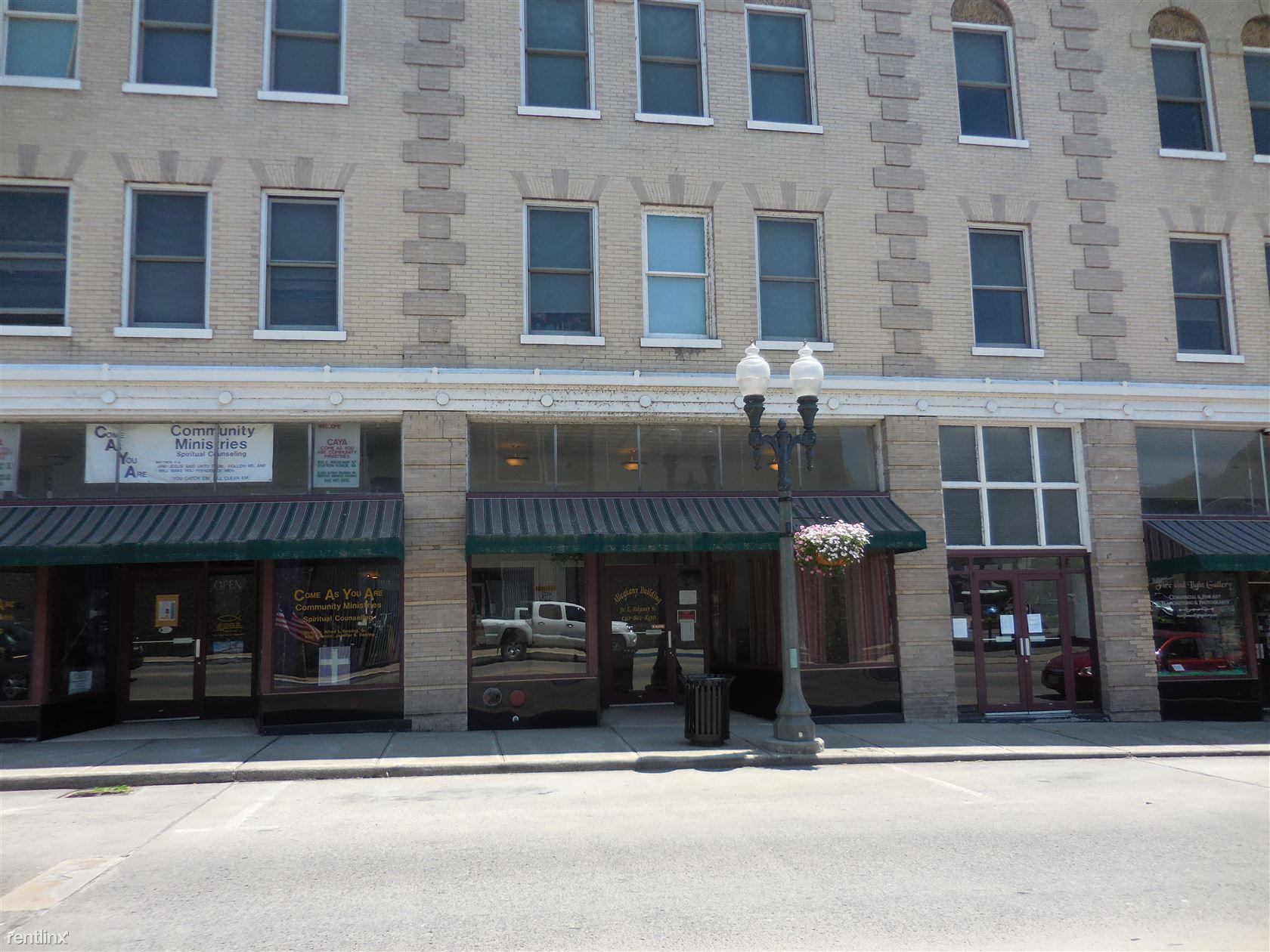 511 E Ridgeway St, Clifton Forge, VA - $550