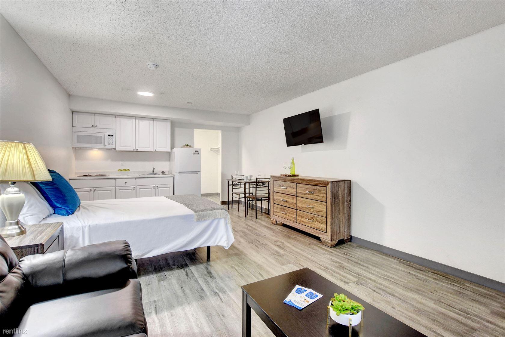 5011 E Craig Rd, Las Vegas, NV - 1,092 USD/ month