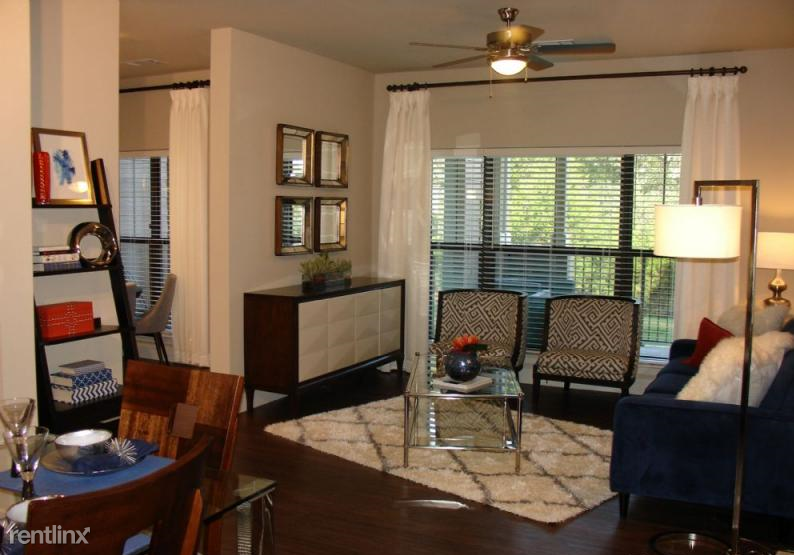 3544 Ranch Road 620 S - 995USD / month