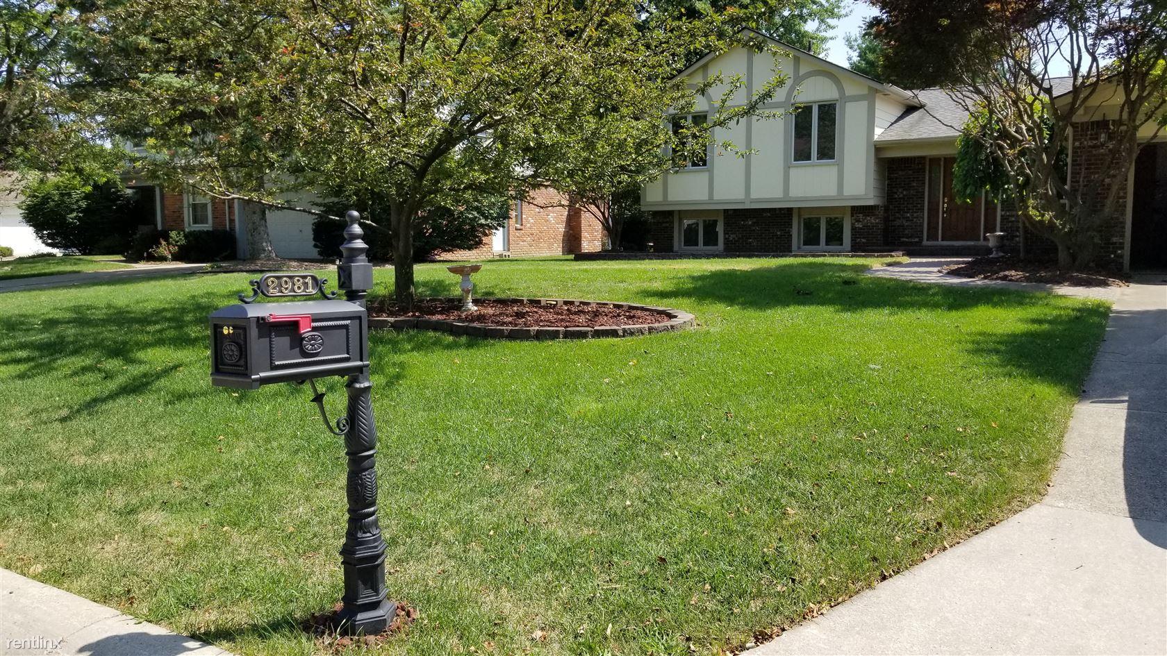 2981 Powderhorn Ridge Rd, Rochester Hills, MI - $2,500