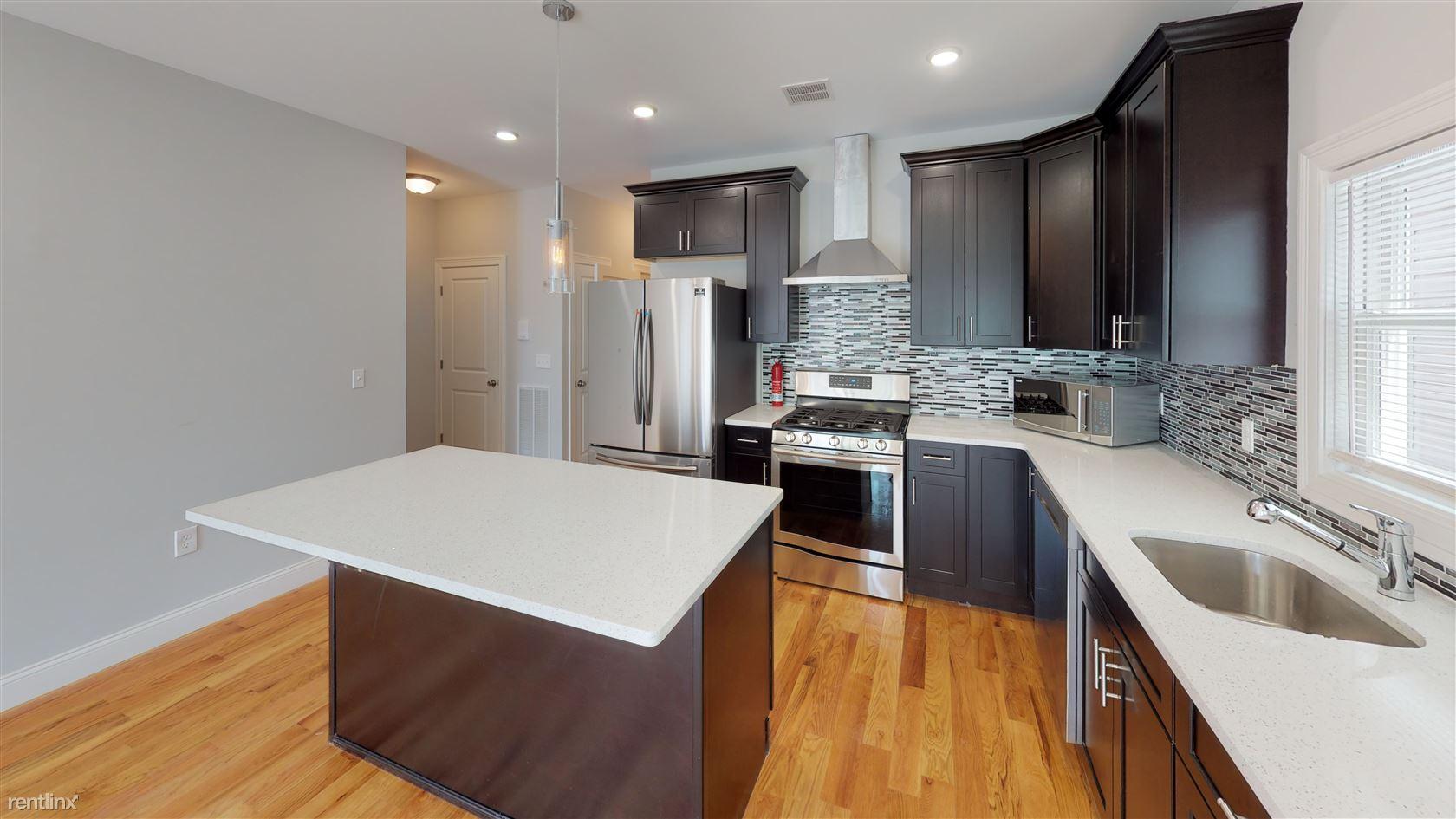 188 Bartholdi Ave, Jersey City, NJ - $3,300