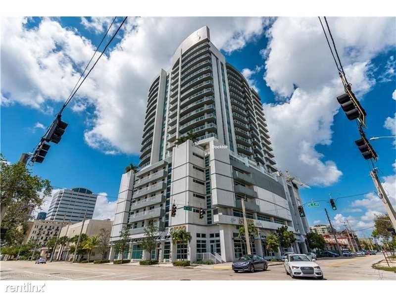 311 NE 3rd St, Fort Lauderdale, FL - $2,800