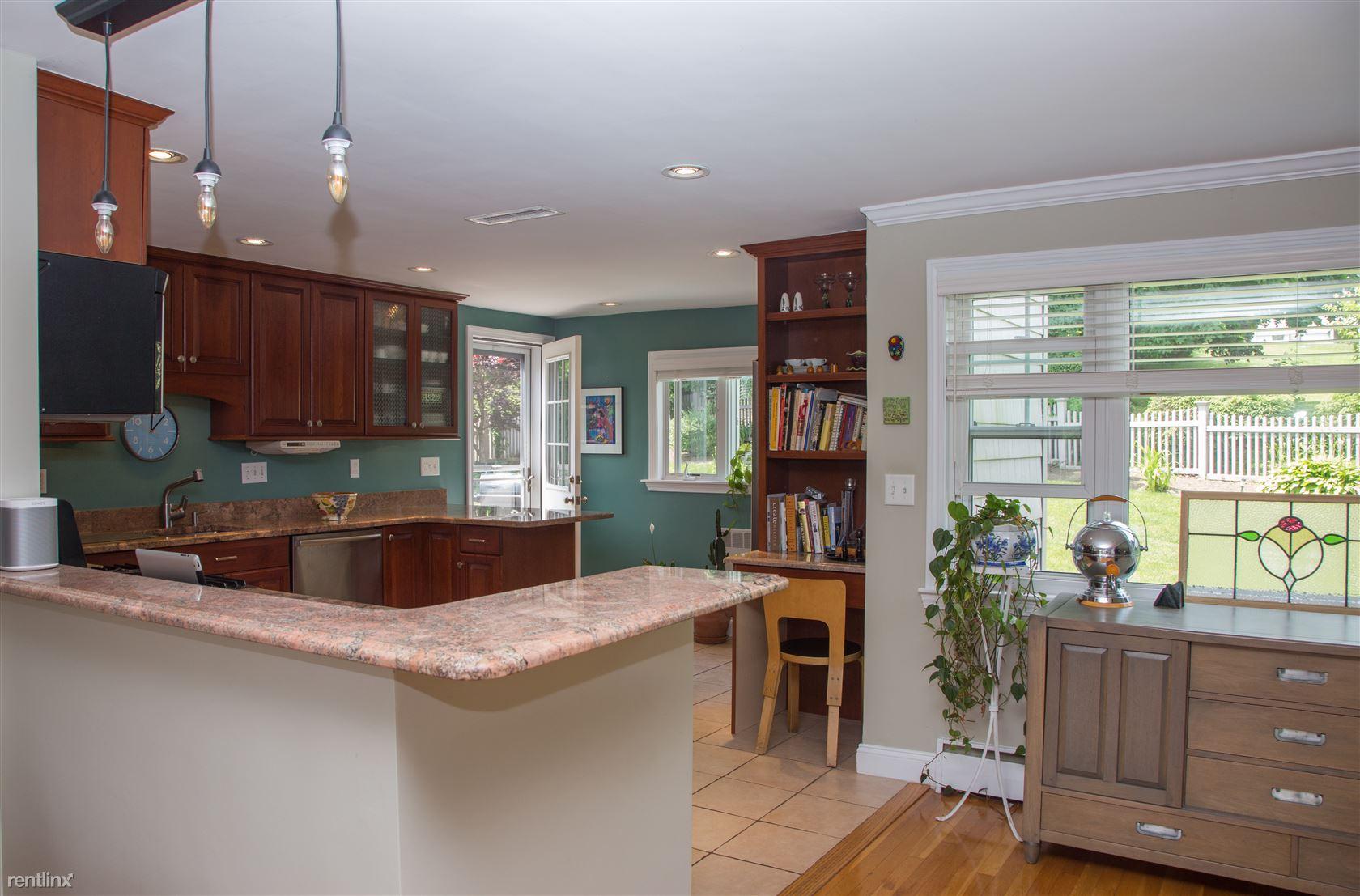3 Augustus Rd, Waltham, MA - $4,000