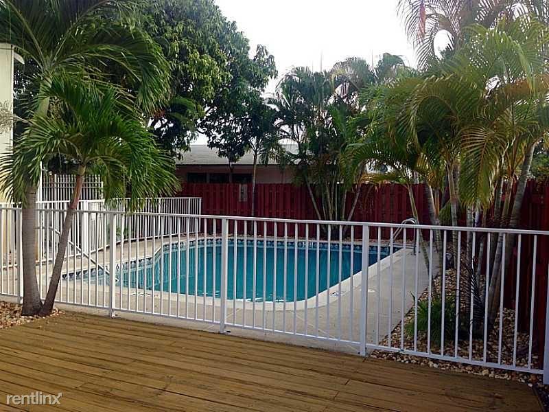 2500 NE 48th Ln, Fort Lauderdale, FL - $2,290