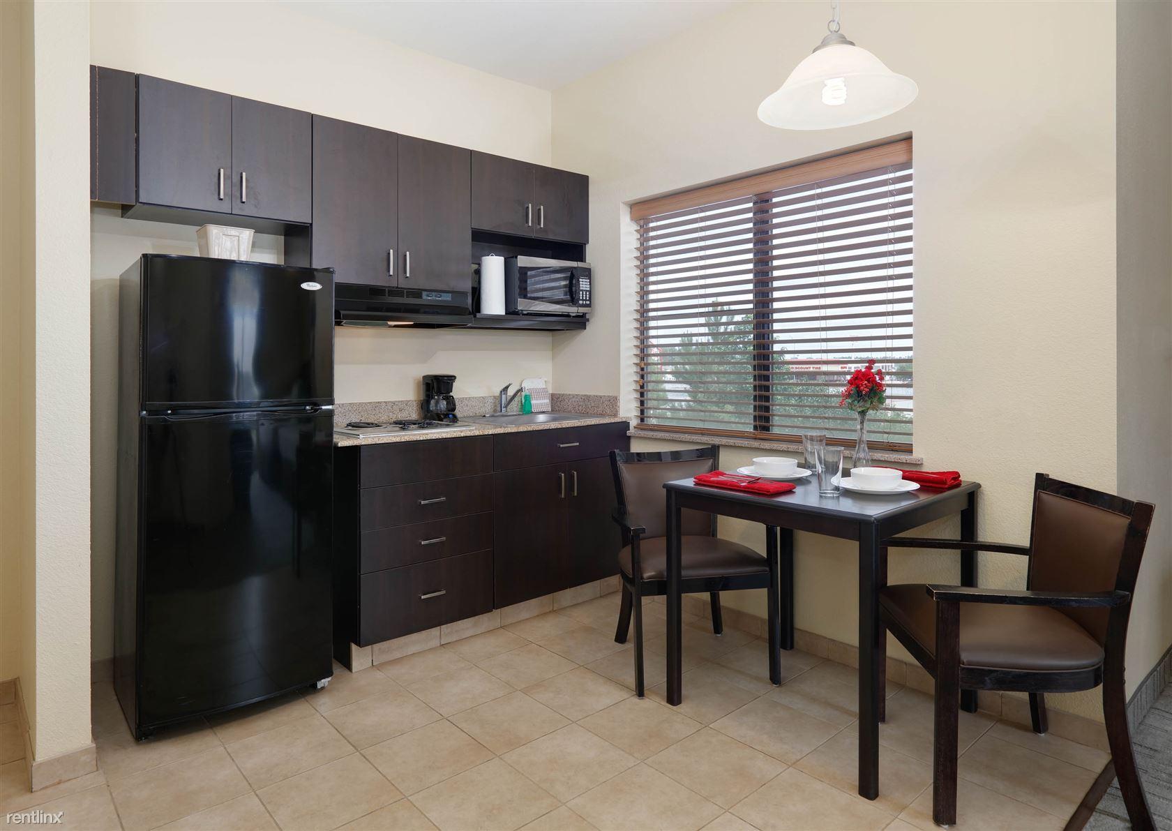 3211 Hotel Way, Longview, TX - $1,479
